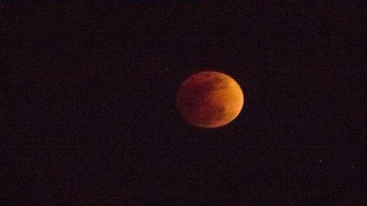 هل سيؤثر أطول خسوف للقمر على صحة البشر؟
