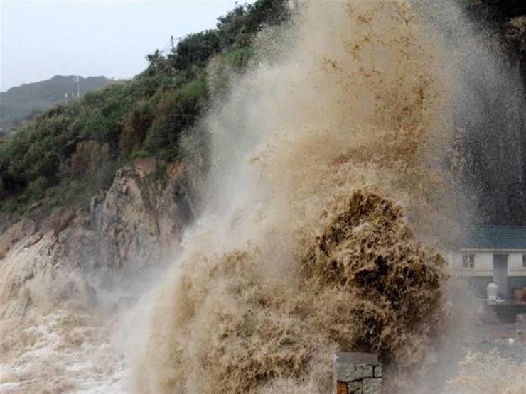 """إعصار """"جونجداري"""" يتوجه إلى غرب اليابان"""