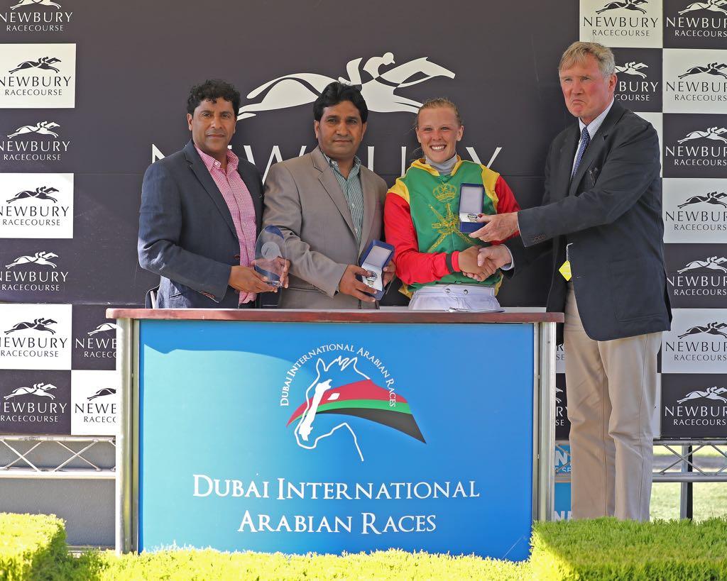 الخيالة السلطانية تفوز بشوط دبي العالمي للخيول العربية بمضمار نيوبري