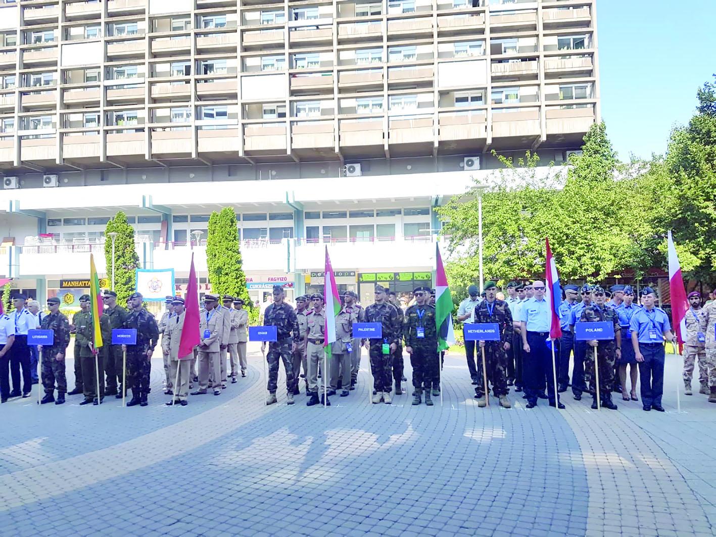 «الوطني» للقفز الحر يبدأ مشاركته في السيزم بهنغاريا