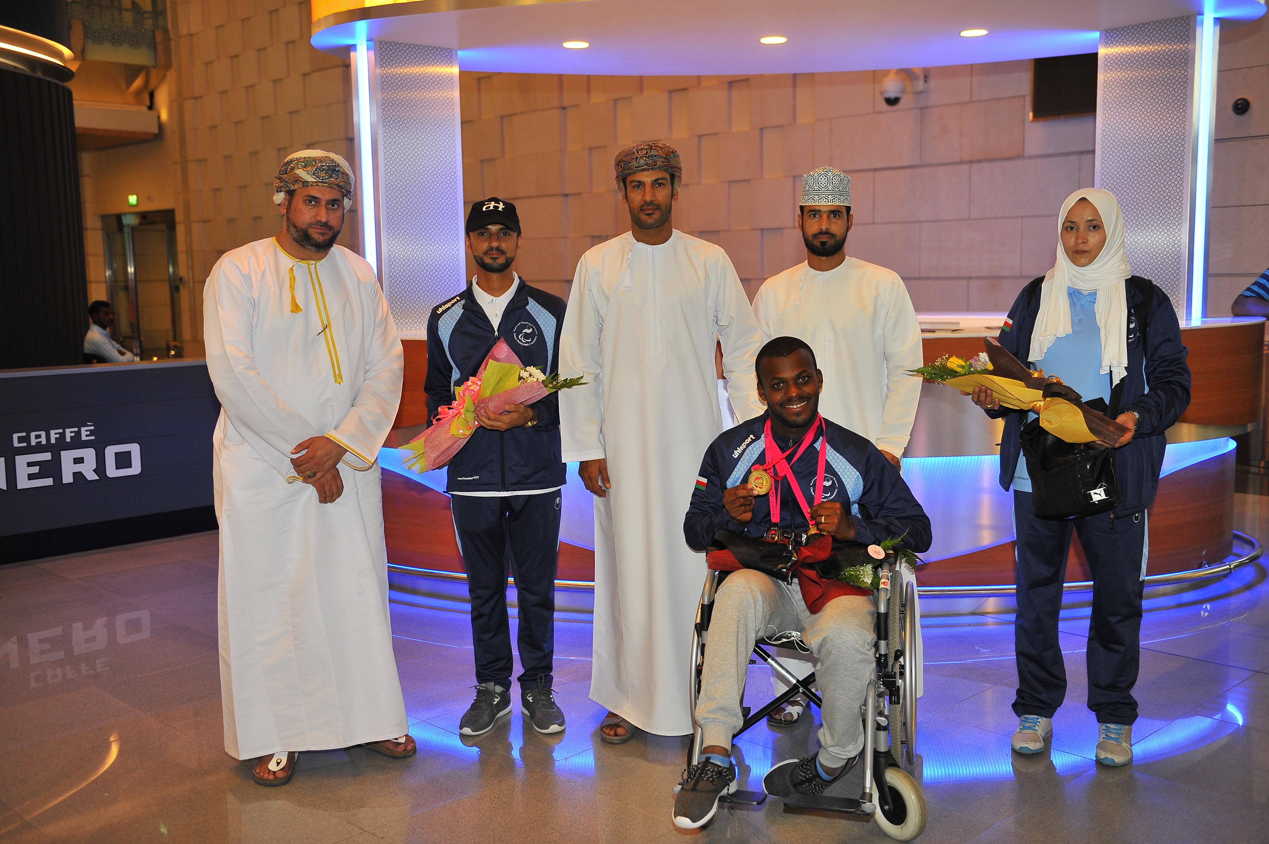 استقبال حافل للبطل العماني محمد المشايخي