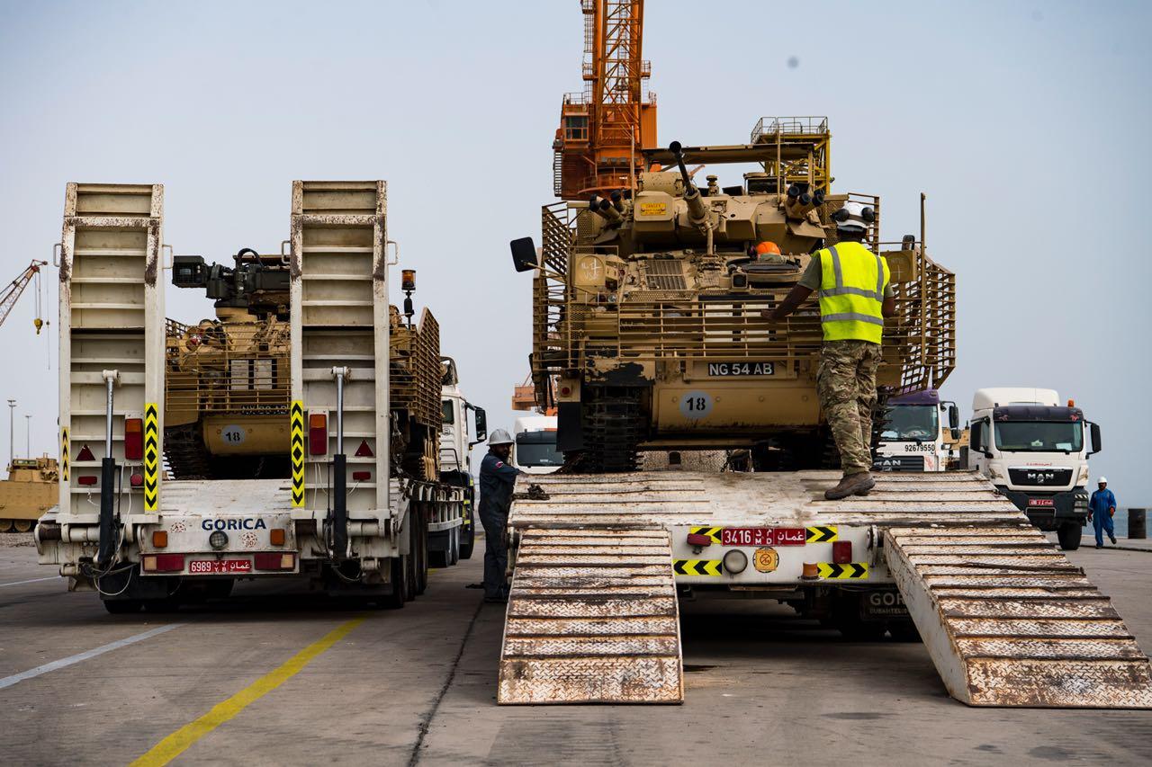 """شحنة معدات جديدة من بريطانيا لإسناد """"السيف السريع"""" 3"""