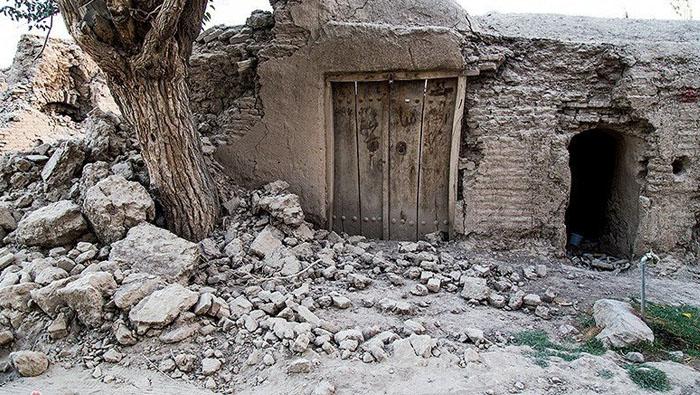 Two dead, 241 injured in Iran earthquake