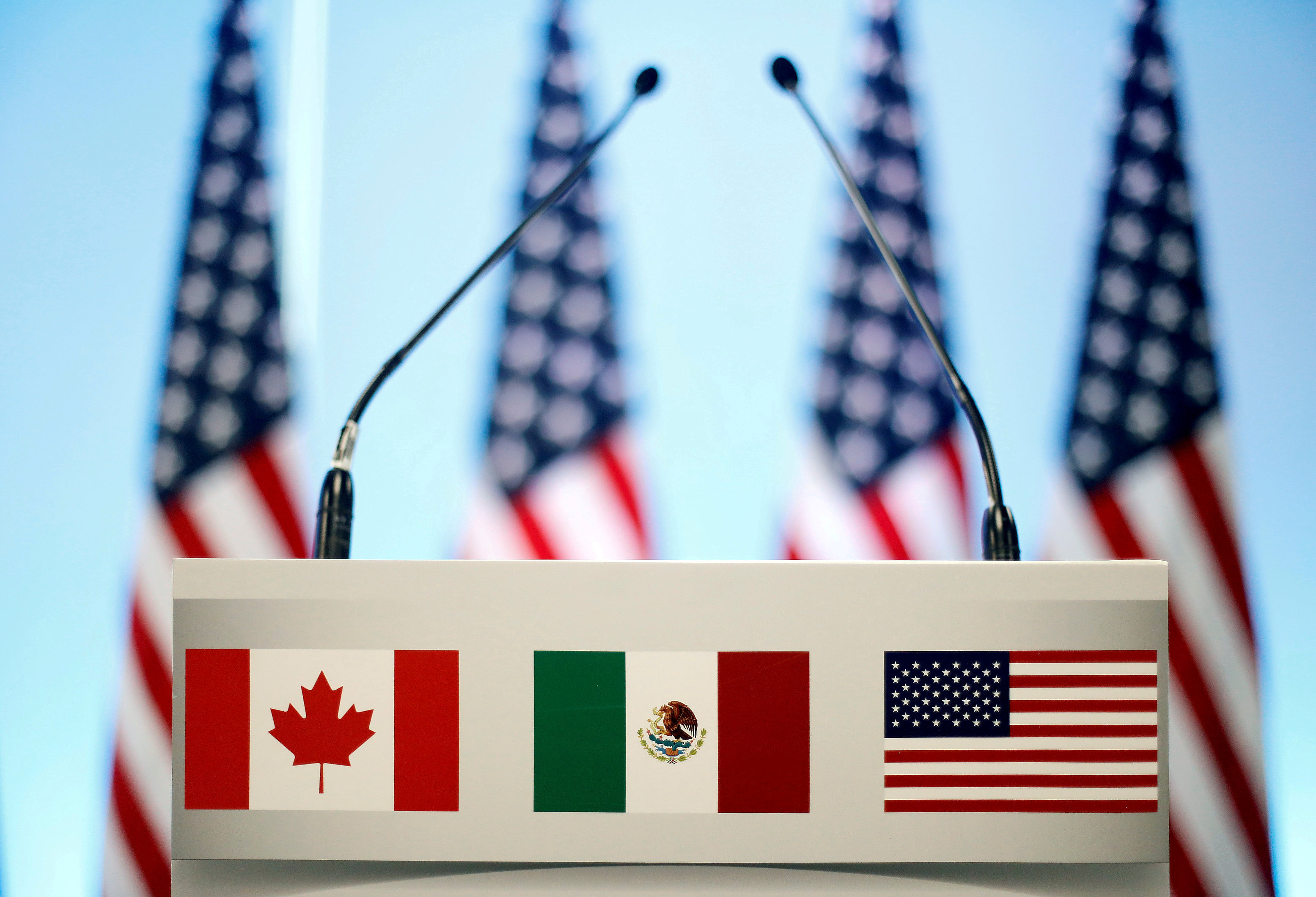 US to move ahead with Mexico trade pact, keep talking to Canada