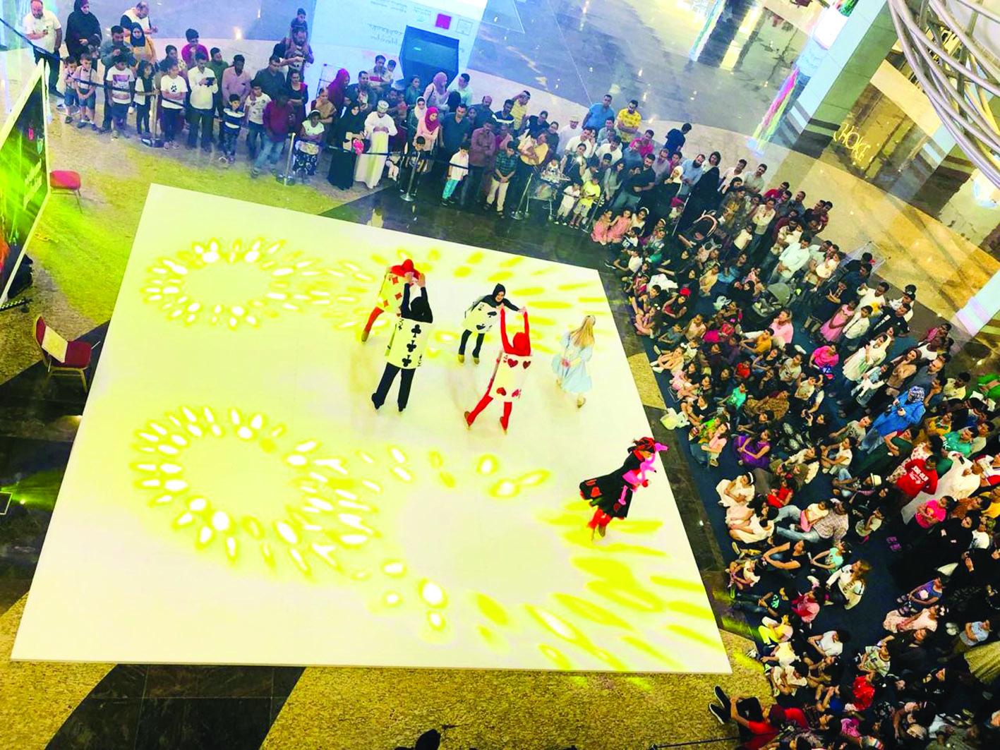 إقبال واسع على فعاليات العيد في مسقط جراند مول