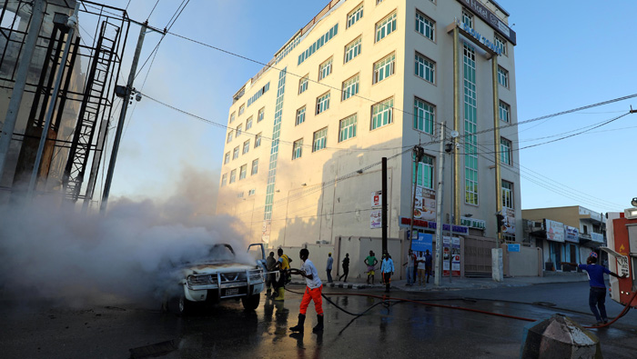 Two car bombs explode in Somali capital, two injured