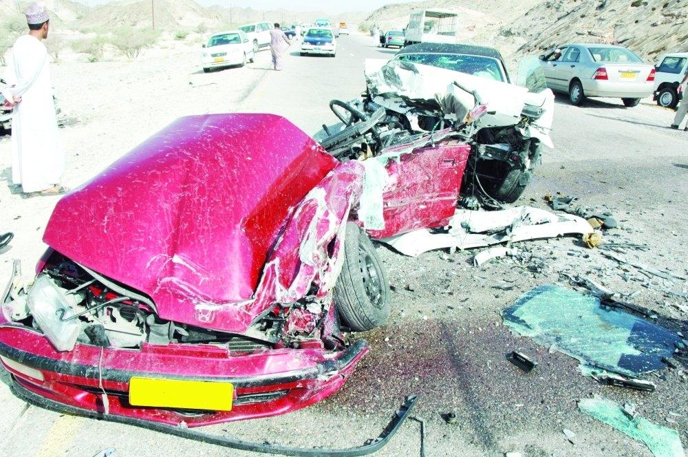 ضحايا حوادث الطرق خلال أغسطس.. الوافدون الأكثر موتا والعمانيون الأكثر إصابة