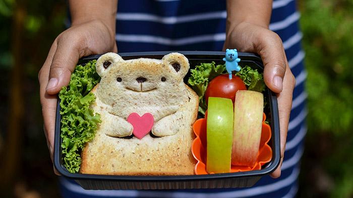 7 healthy lunch box ideas for children