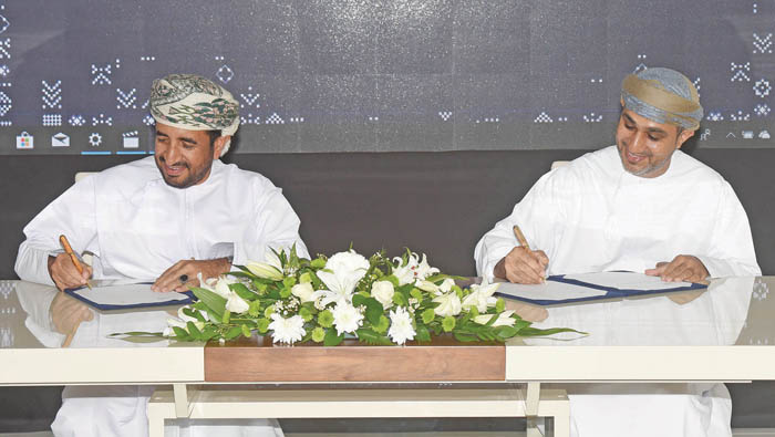 Pact signed to use drone, artificial intelligence for date palm trees project