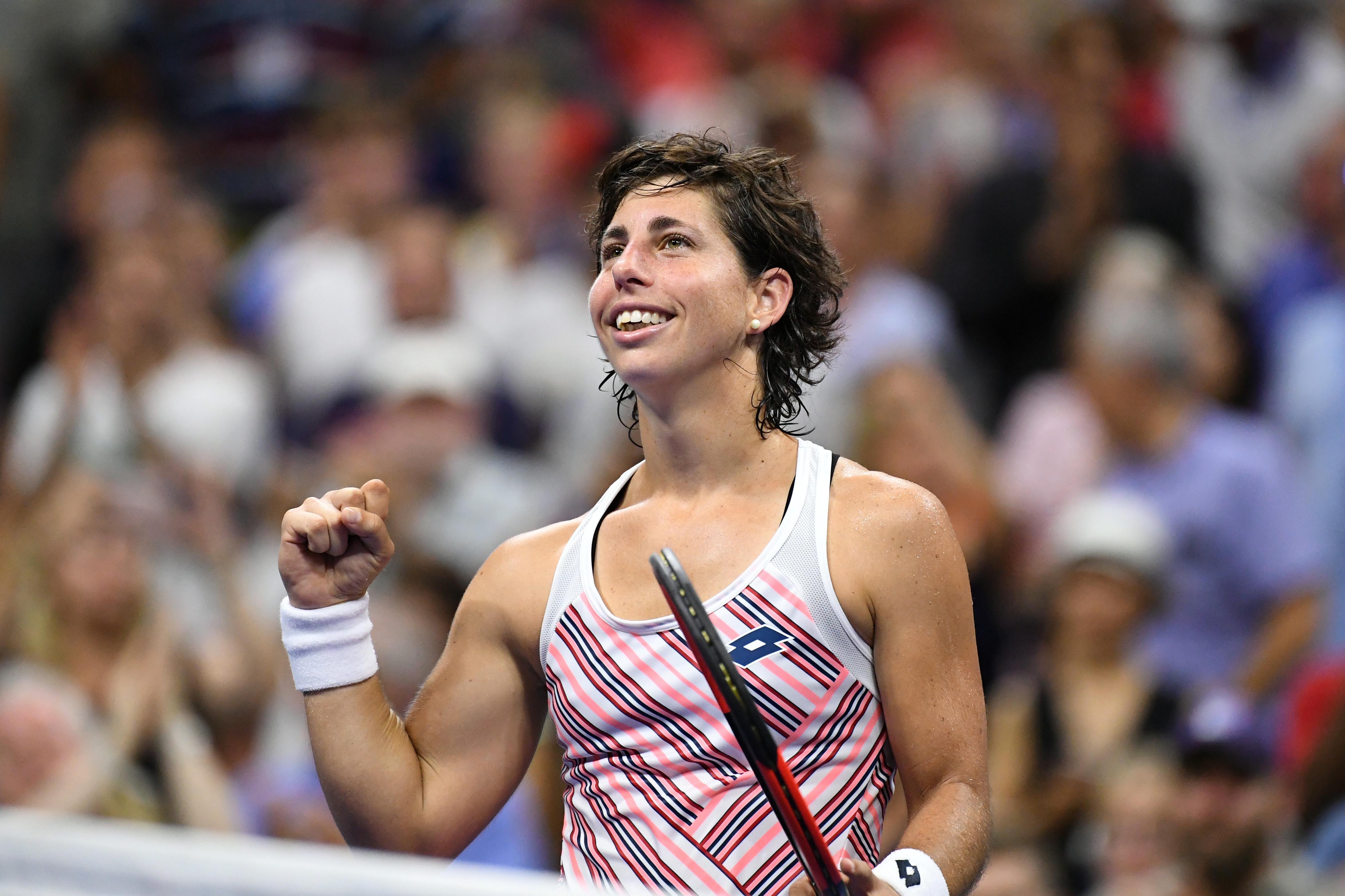 Tennis: Suarez Navarro sends Sharapova crashing out of US Open