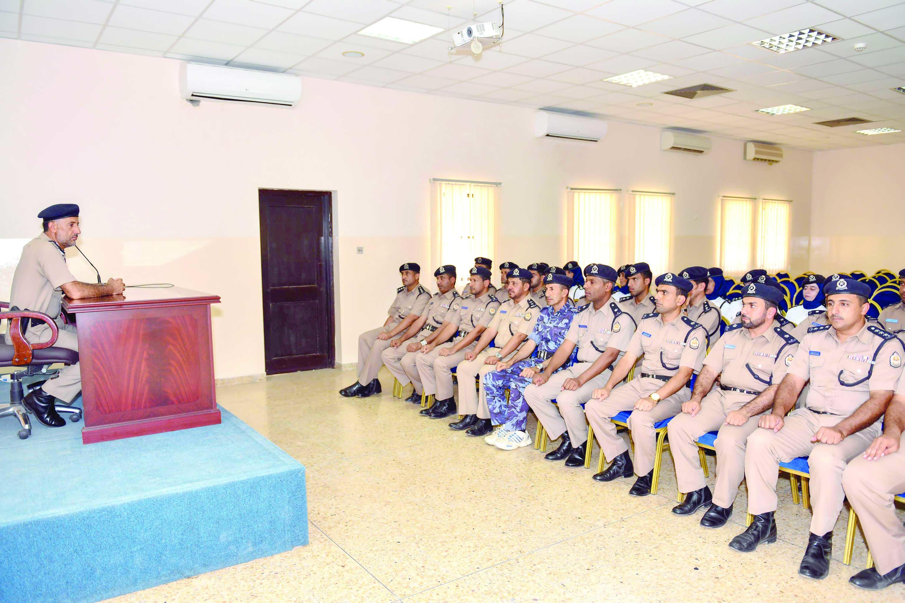 اختتام دورة تطوير المهارات العملياتية لضباط الشرطة