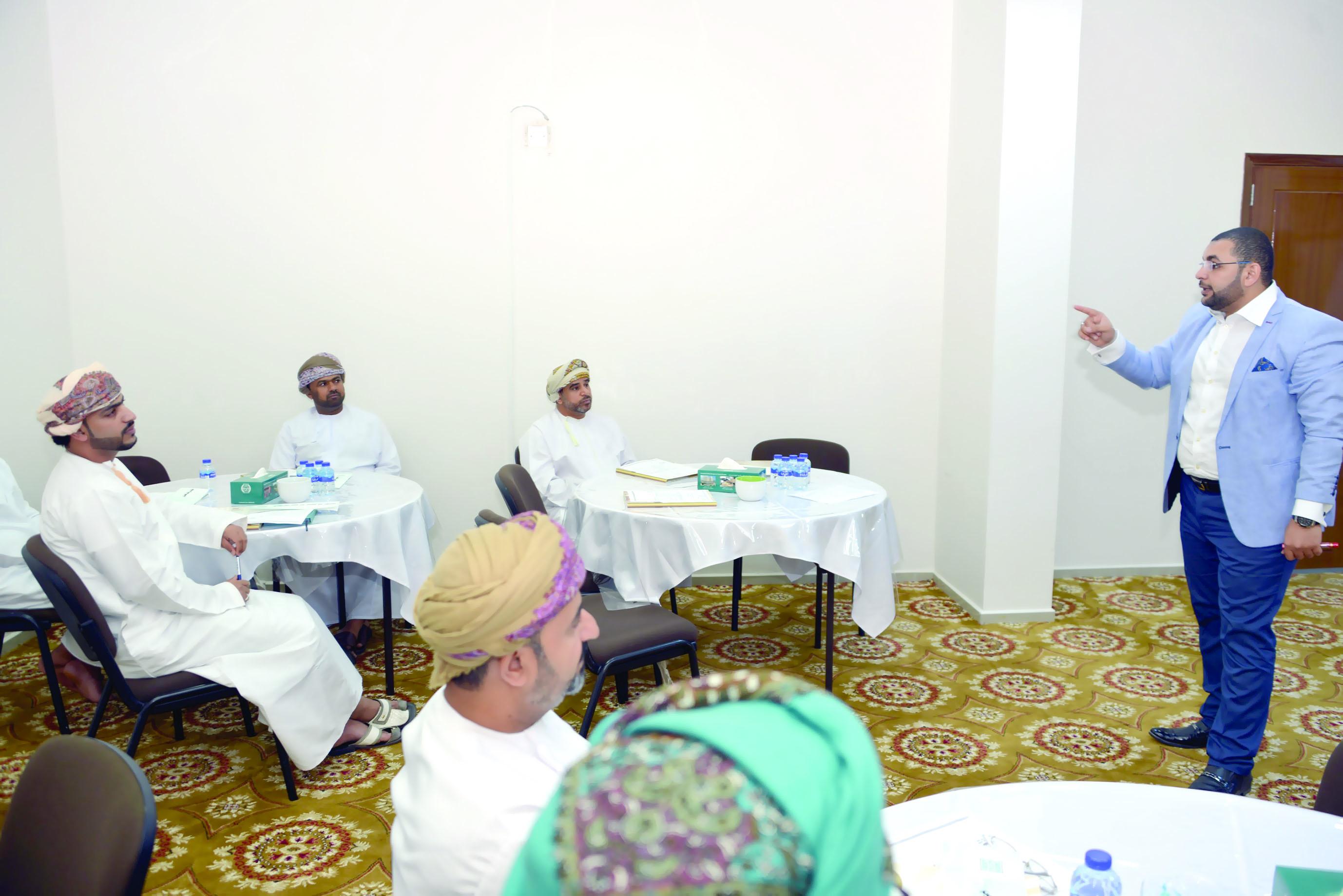 معهد الإدارة العامة ينفذ أربعة برامج تدريبية