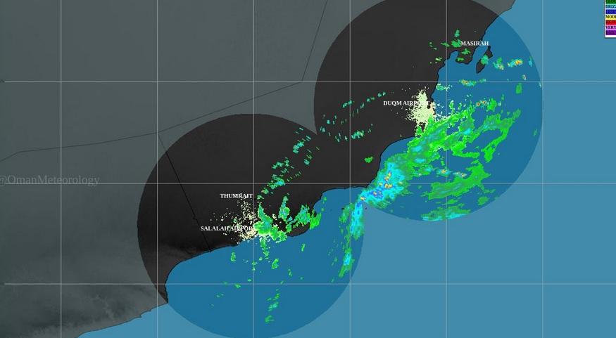 استمرار تدفق السحب مع أمطار متفرقة في ظفار والوسطى وجنوب الشرقية