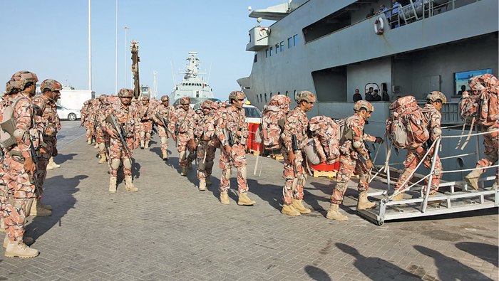 Combat forces in Oman move arms with air support
