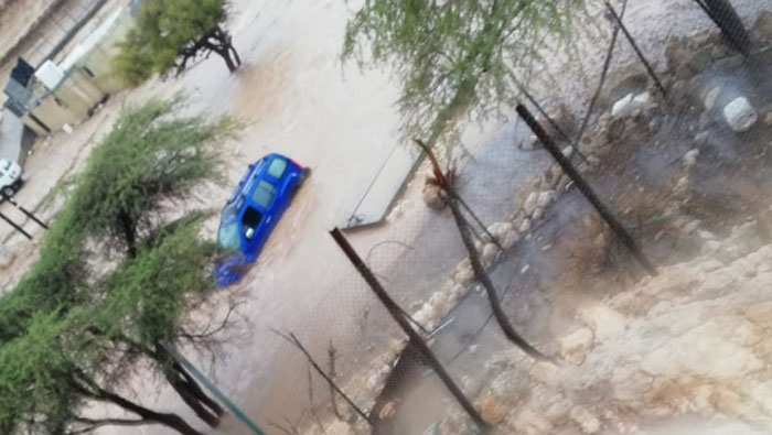 ​Locals rescue expats from wadi after flash floods in Oman
