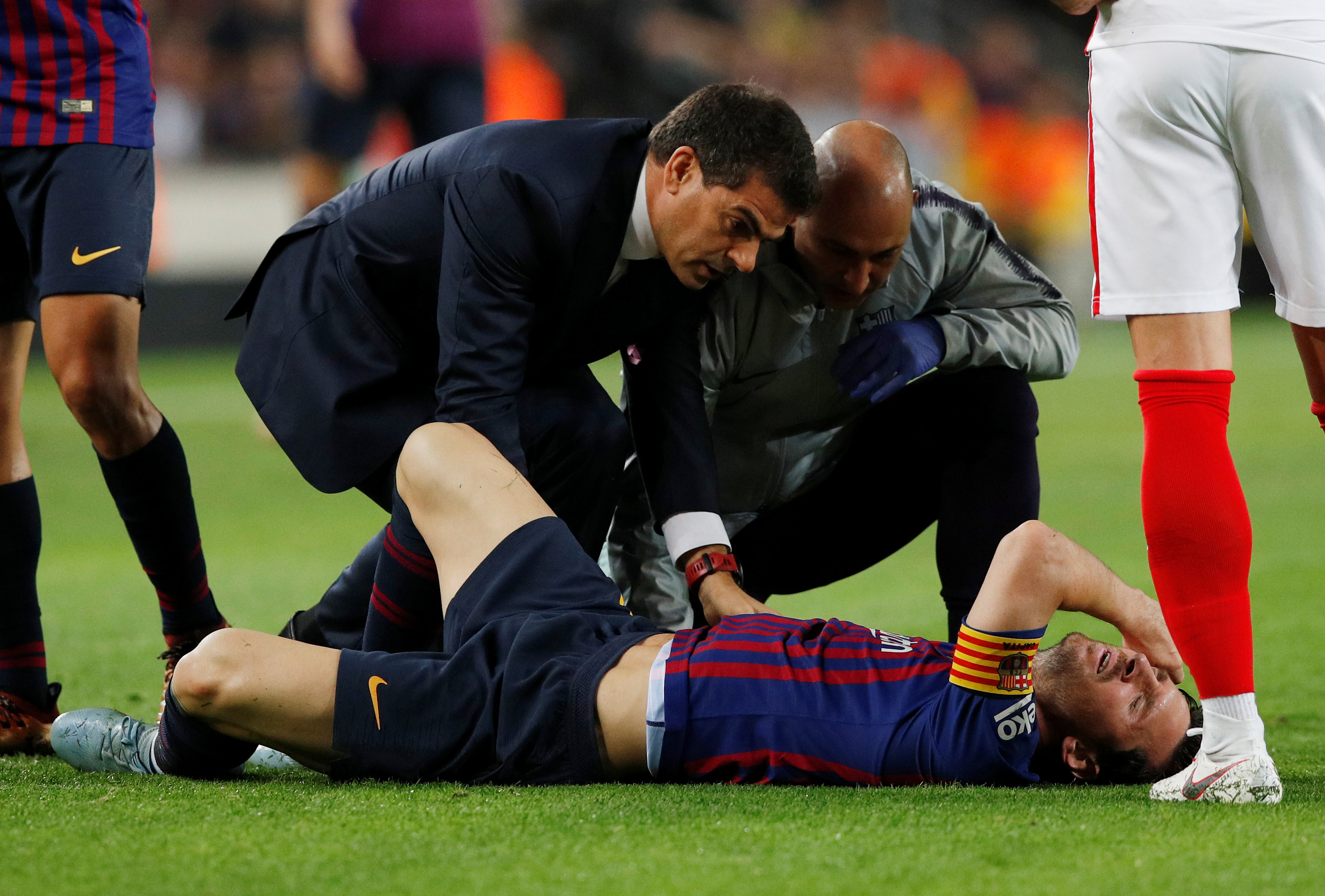 Football: Messi ruled out for three weeks with fractured arm