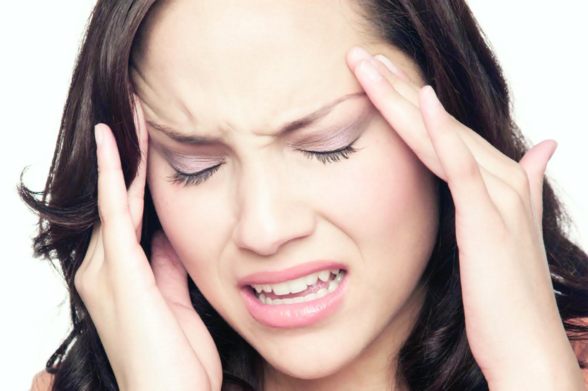 5 وسائل للتعامل مع آلام الصداع النصفي في الصباح