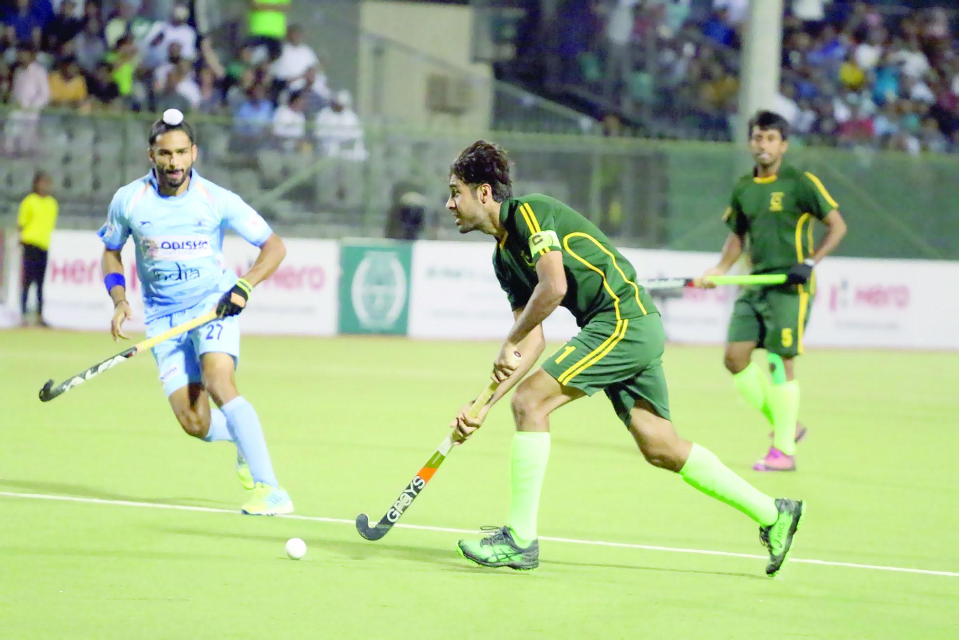 كلاسيكو العالم بالهوكيتفاعل إعلامي عالمي مع لقاء «الهند وباكستان» في كأس النخبة