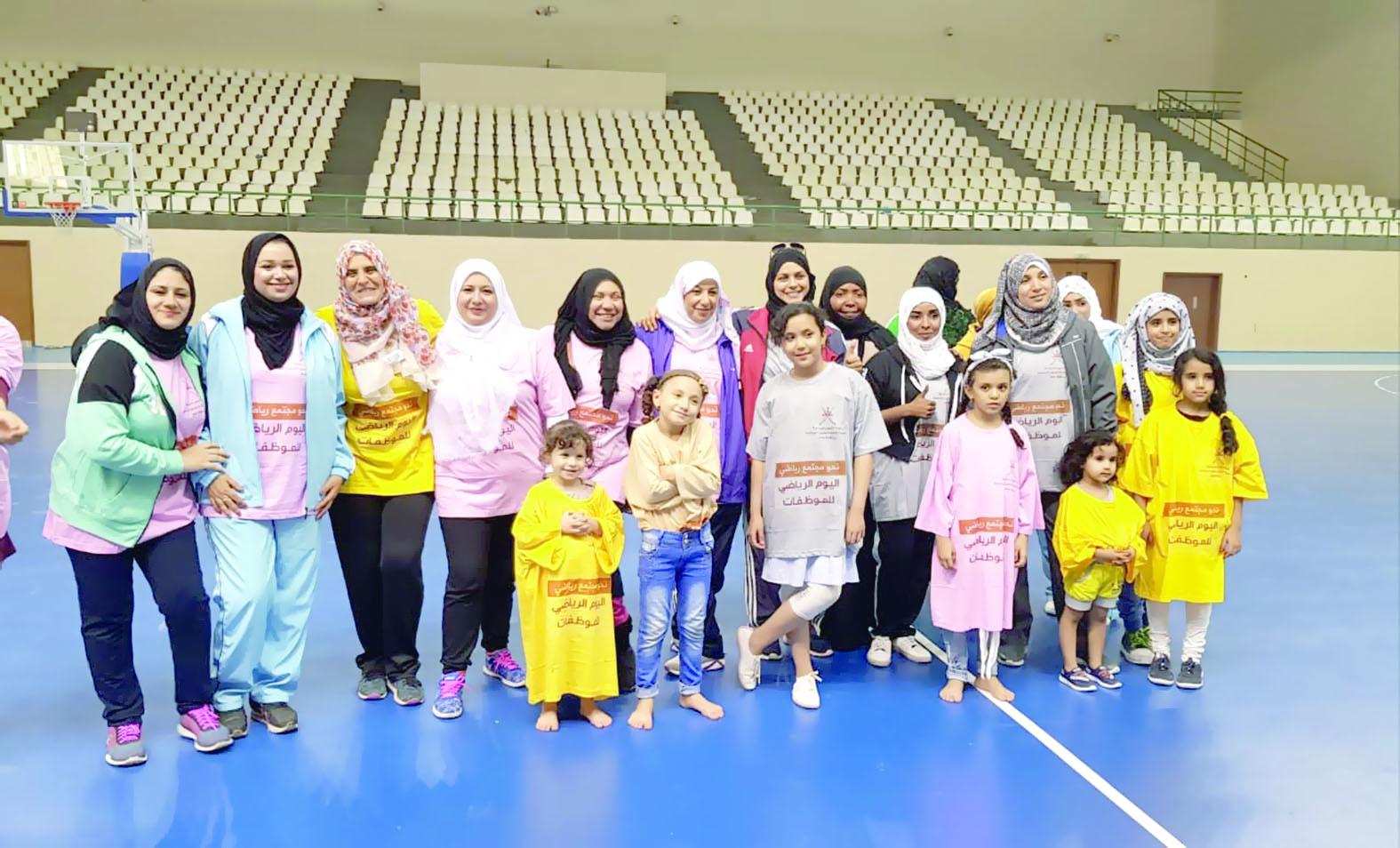 الشؤون الرياضية بمحافظة ظفار تحتفي بيوم المرأة العمانية