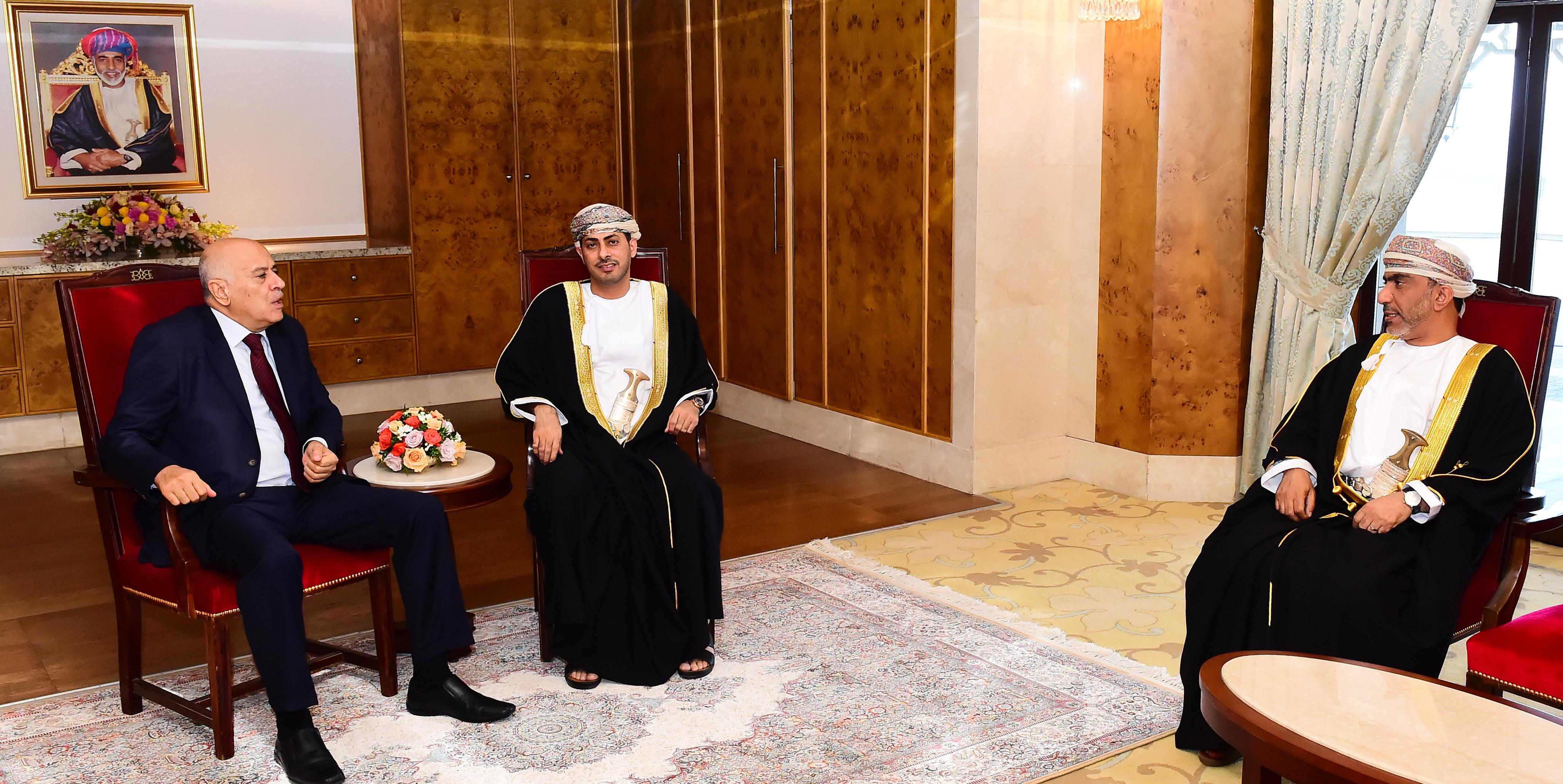 وزير الشؤون الرياضية يلتقي رئيس اللجنة الأولمبية الفلسطينية