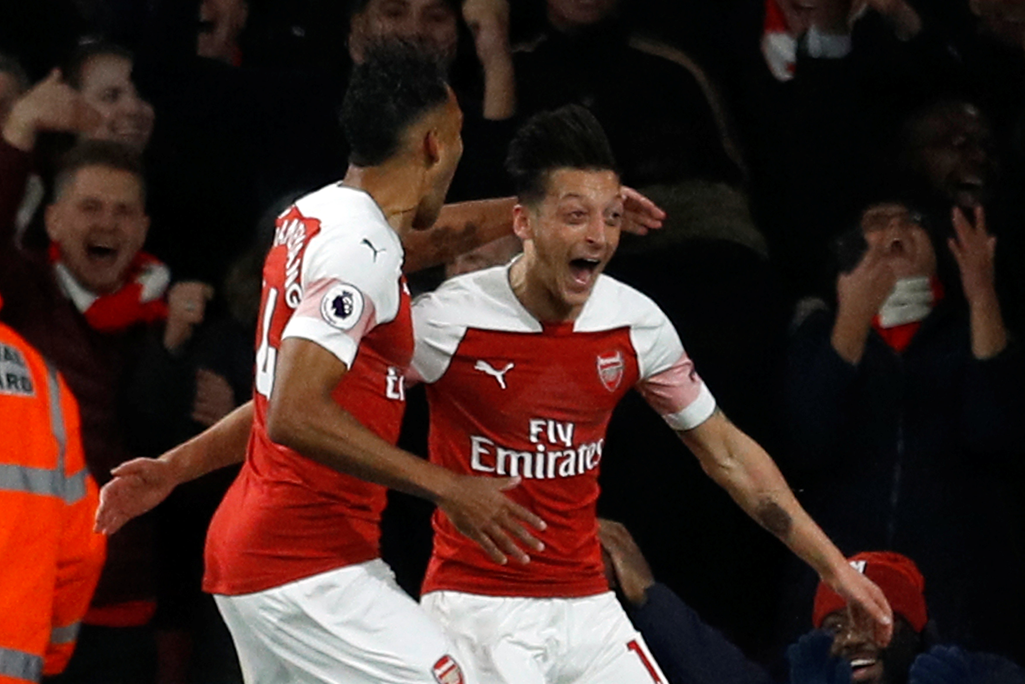 Football: Aubameyang and Ozil inspire Arsenal comeback against Leicester
