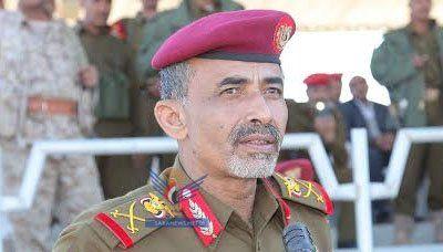 السلطنة تتوصل إلى اتفاق بشأن وضع وزير الدفاع اليمني