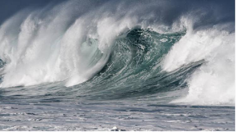 """إعصار ضخم """"يخفي"""" جزيرة بأكملها بلمح البصر"""