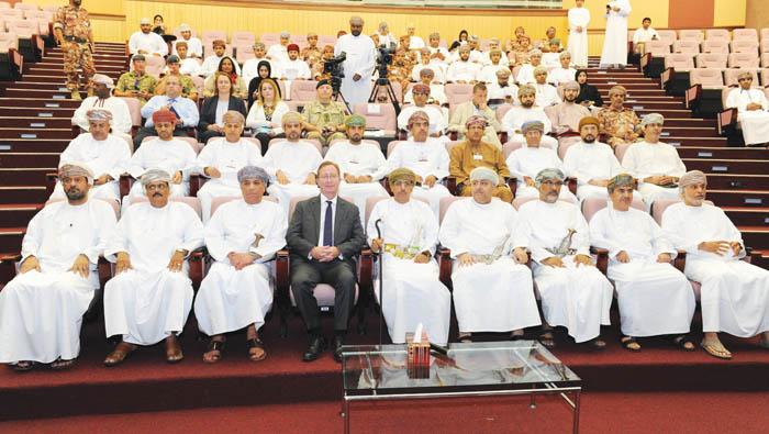 Al Hassani praises Omani, British forces for coordination in drill