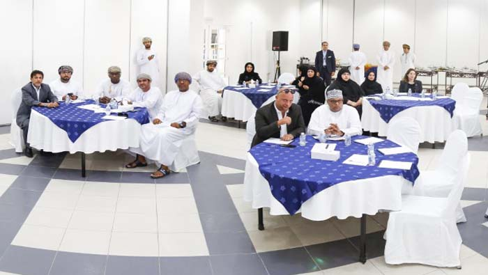 Ministry of Manpower reviews Omanisation in tourism sector