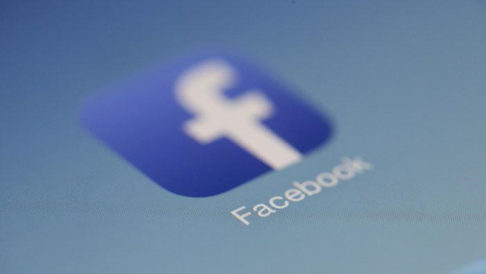 Users report issues with Facebook, Instagram globally