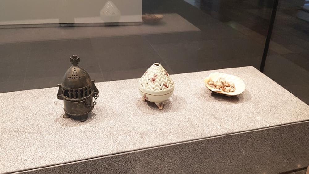 متحف اللوفر بأبو ظبي يستعرض تحف أثرية عمانية