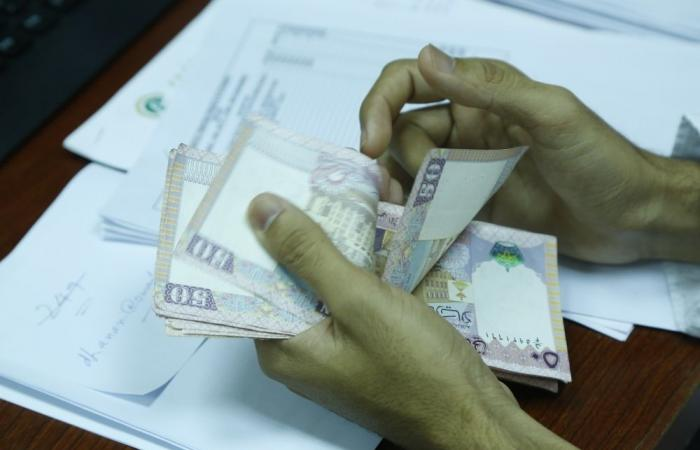 بعد تسوية ودية.. مستهلك يستعيد 2880 ريالا عمانيا