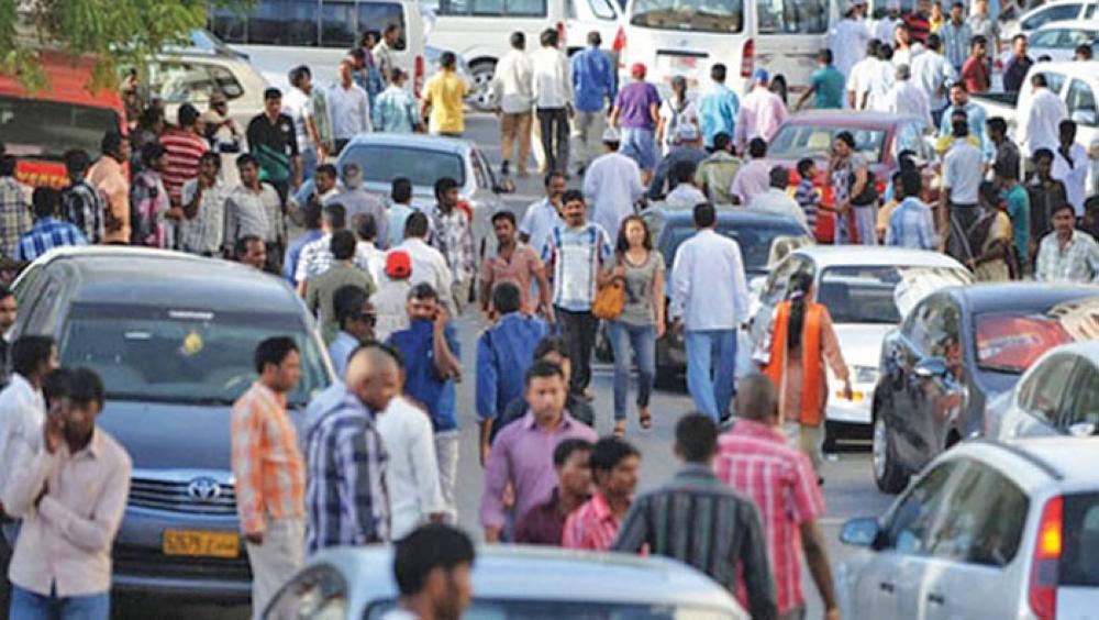 السلطنة تقلل عدد وافدي بنجلادش إلى 663 ألف شخص