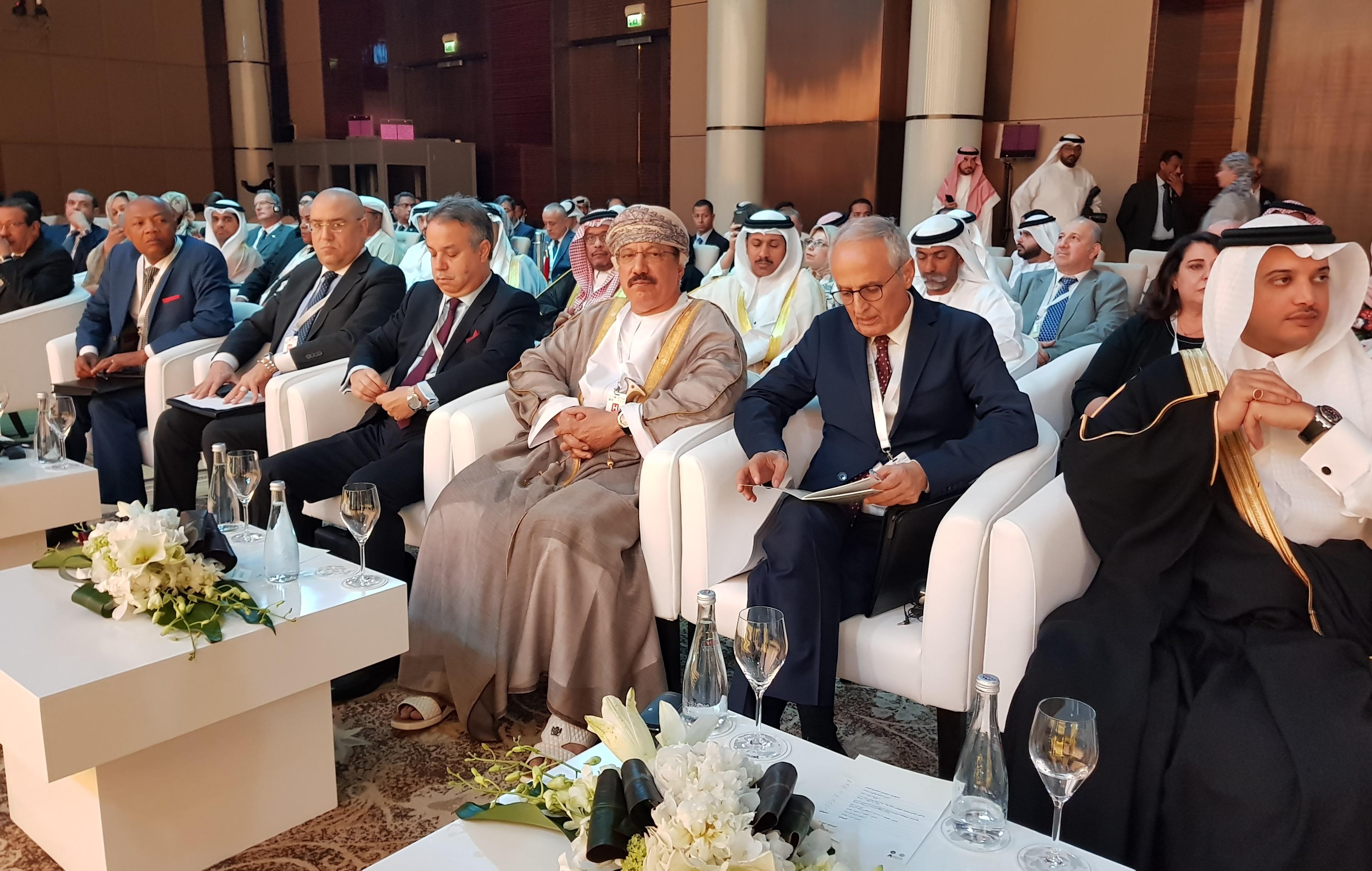 السلطنة تشارك في مؤتمر الإسكان العربي وإجتماع وزراء الإسكان والتعمير العرب بالمنامة