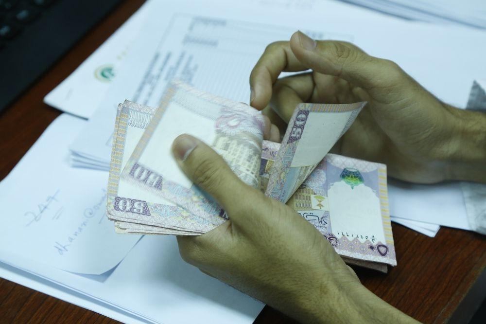 سعر الصرف الفعلي للريال العماني يرتفع 3.2%