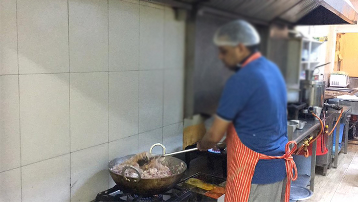 30 eateries fined in Oman