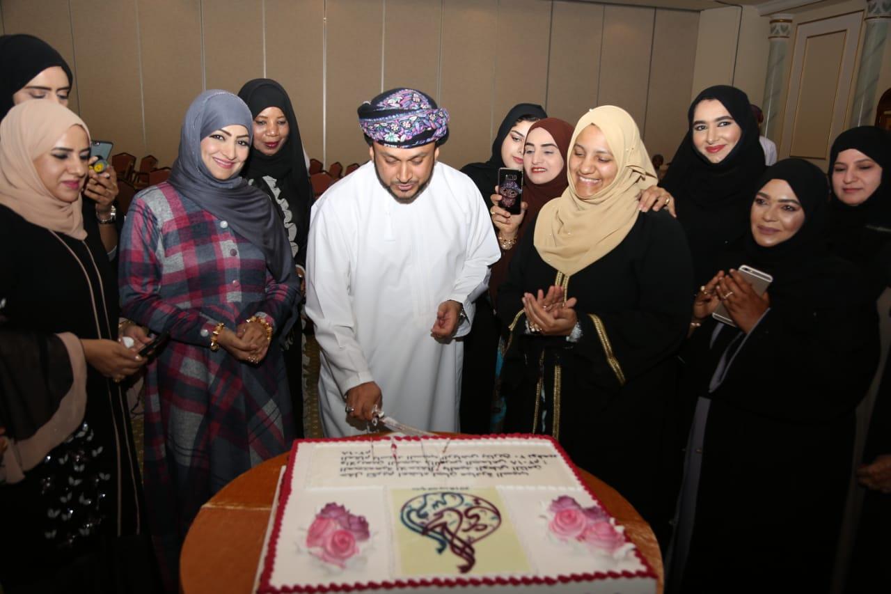 تكريم المشاركين في المبادرة المجتمعية بالسيب