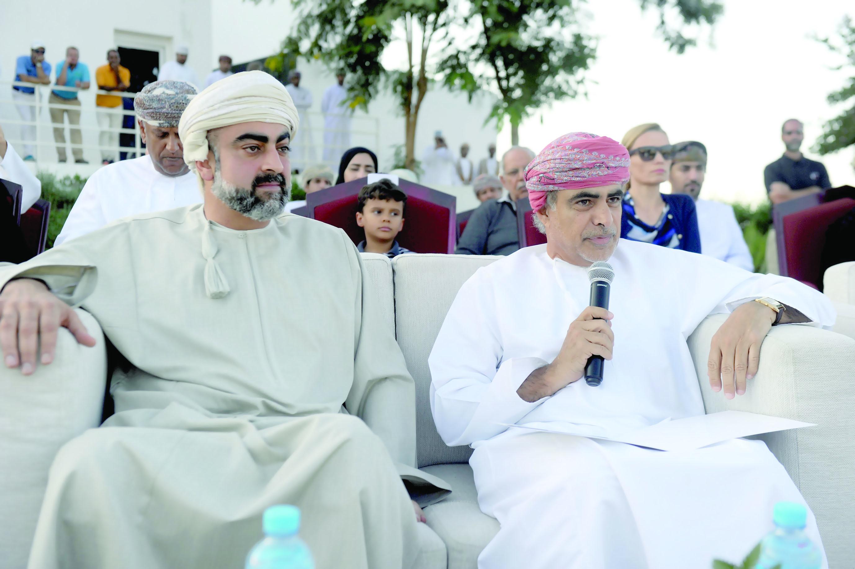 افتتحت أمس وتنطلق اليوم منافسات الجولة الأولى مسقط العامرة تلم شمل الخليجيين وتنجح بالعلامة الكاملة في لعبة الجولف