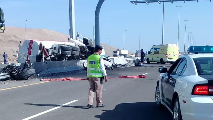 Oil leak due to accident in Oman, motorists exercise caution