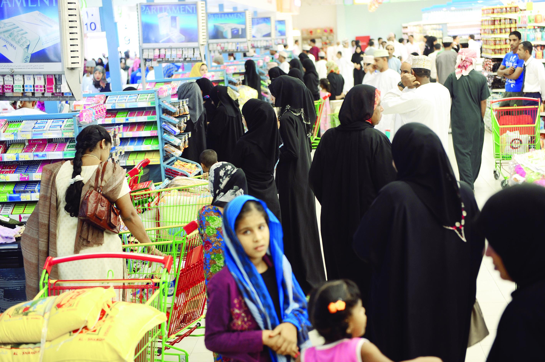 ارتفاع أسعار السلع والخدمات بدول الخليج