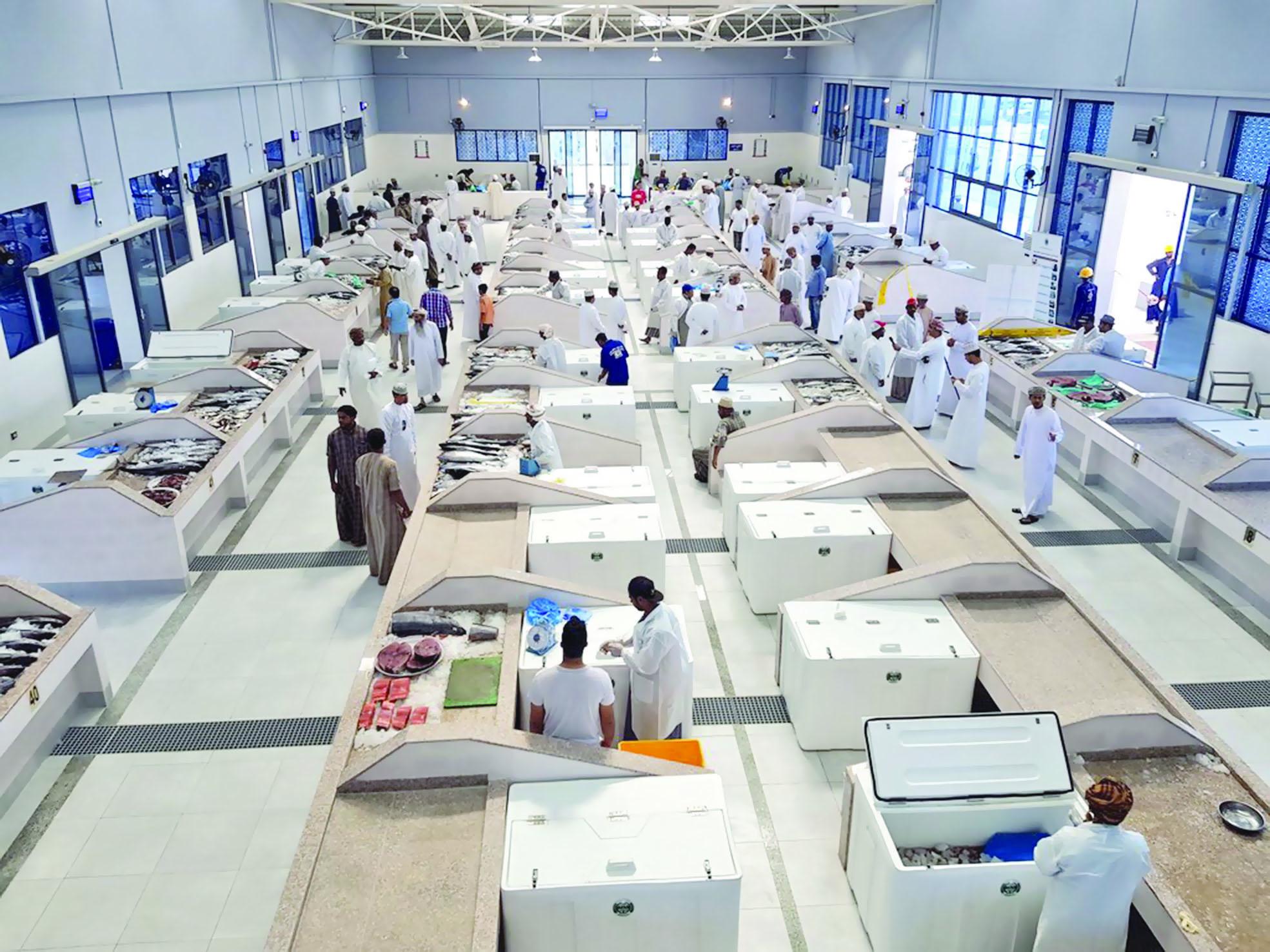 في سوق الجملة المركزي.. ويناير الفائت في الصدارة بـالمبيعات مبيعات الأسماك تلامس 4 ملايين ريال عماني