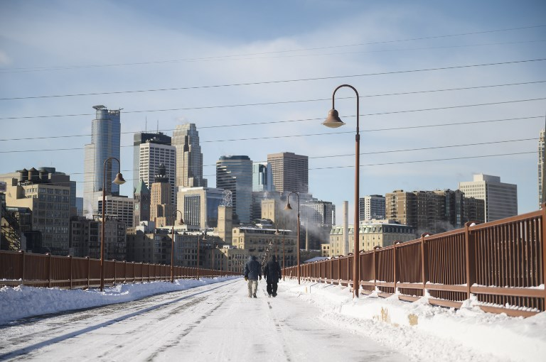 Dangerous arctic chill sweeps over US Midwest
