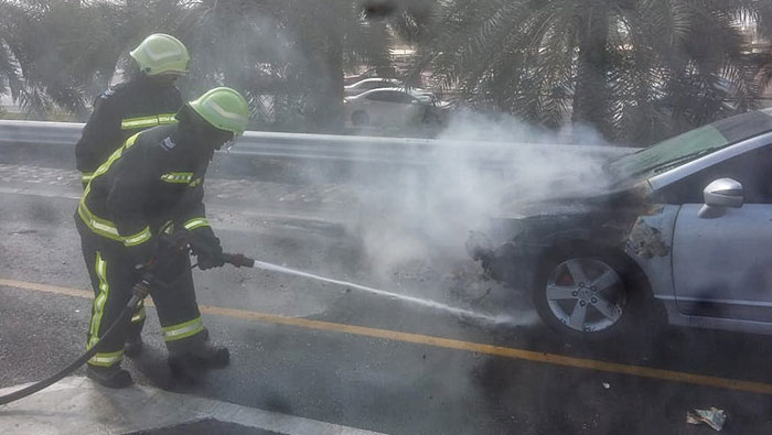 Authorities put out car blaze in Muscat