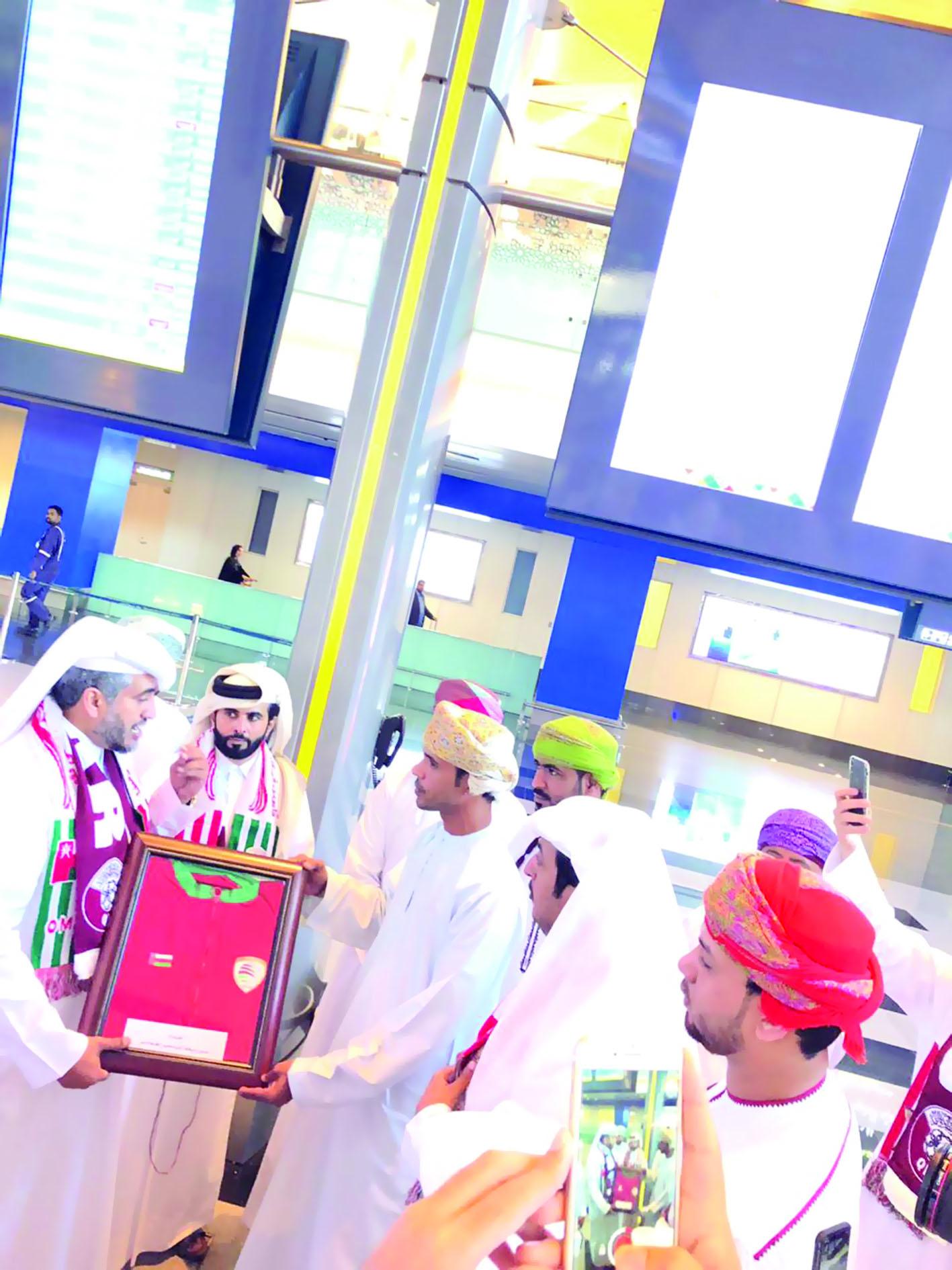 شمل برنامج المبادرة الكثير من الفعاليات الاجتماعية والرياضيةمبادرة شعبية قطرية من السلطنة إلى الكويت لشكر مشجعي المنتخب القطري