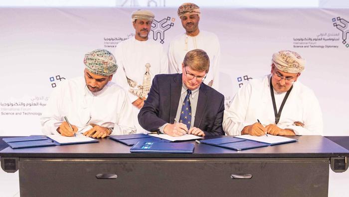 Oman Aviation signs memorandum with World Ocean Council