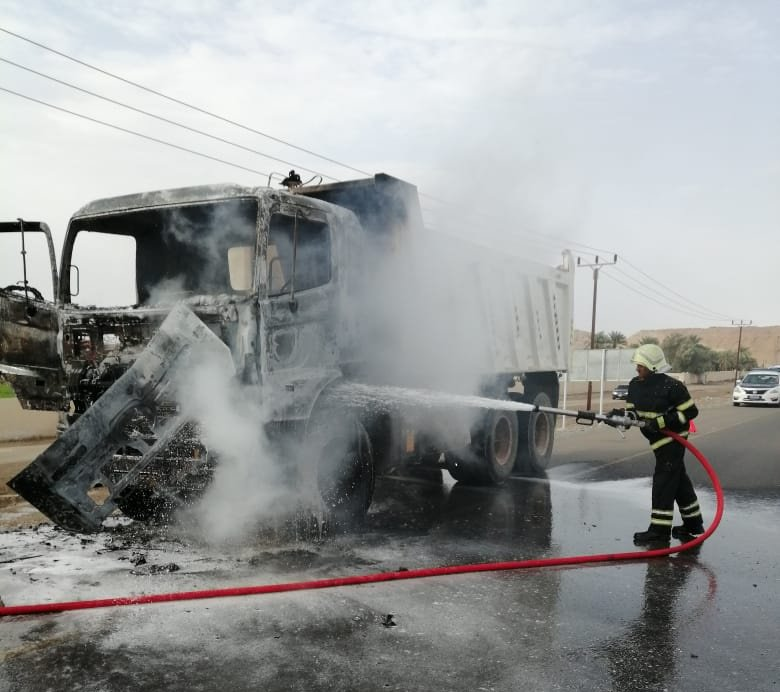 Firefighters put out truck fire in Al Buraimi