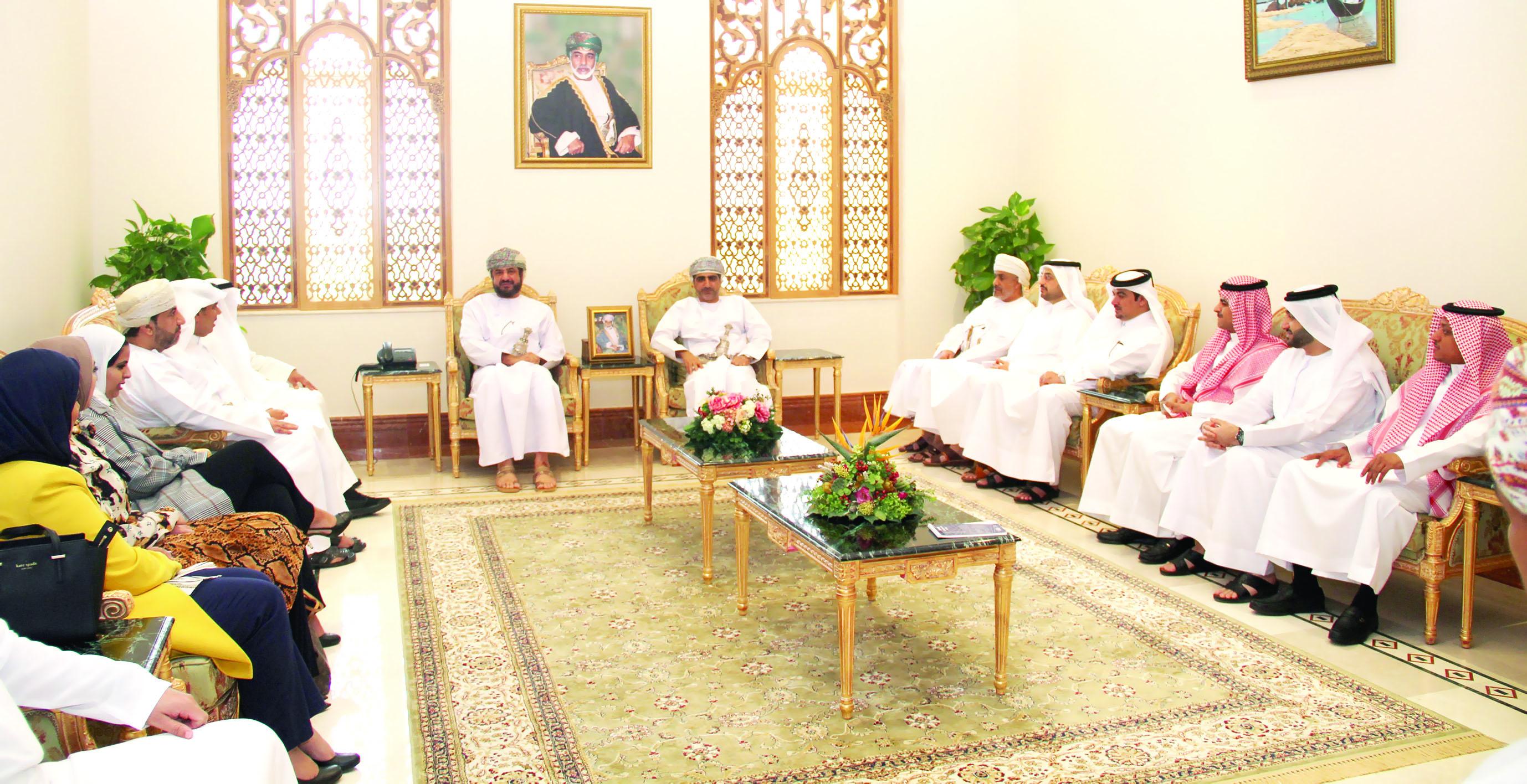 المرهون يستقبل لجنة شؤون الخدمة المدنية بمجلس التعاون