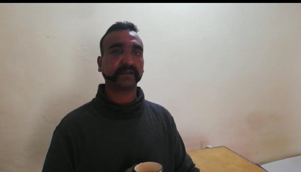 Pakistan's PM announces the release of captured Indian pilot