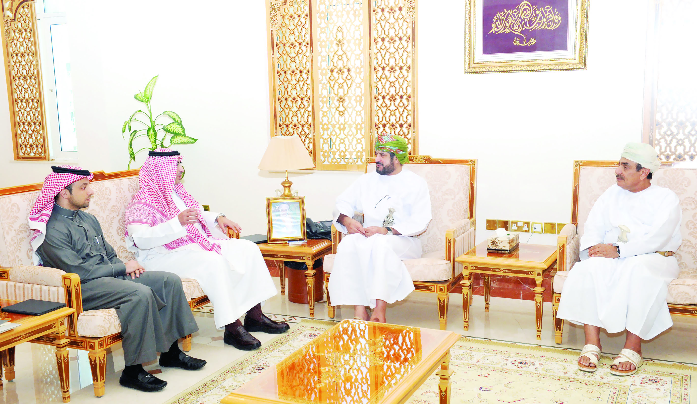 بحث التعاون بين وزارتي الخدمة المدنيـة بالسلطنـة والسعوديـة