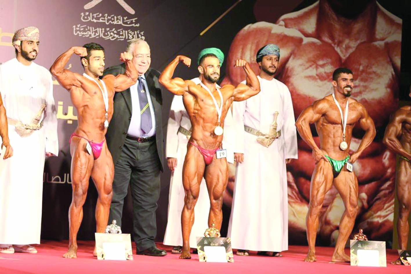 """في بطولة عمان المفتوحة الـ16 لبناء الأجسام والفيزيكالحوسني يفوز بلقب """"بطل الأبطال"""""""